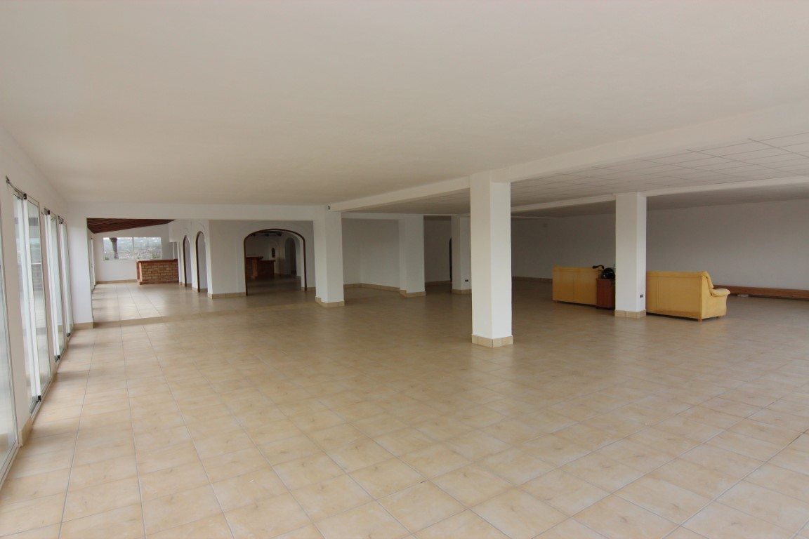 Commercial in Javea Montgo